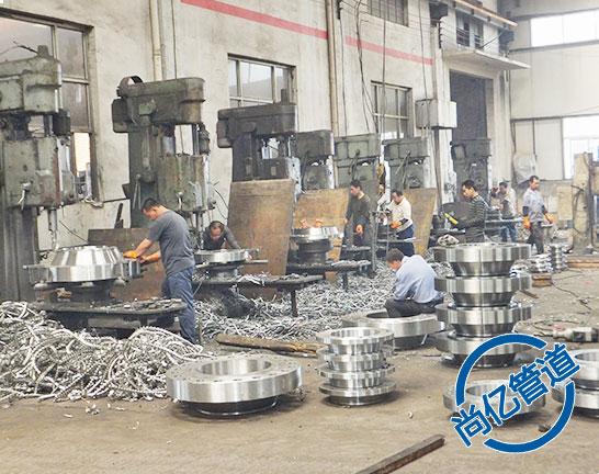 平焊法兰生产加工打孔